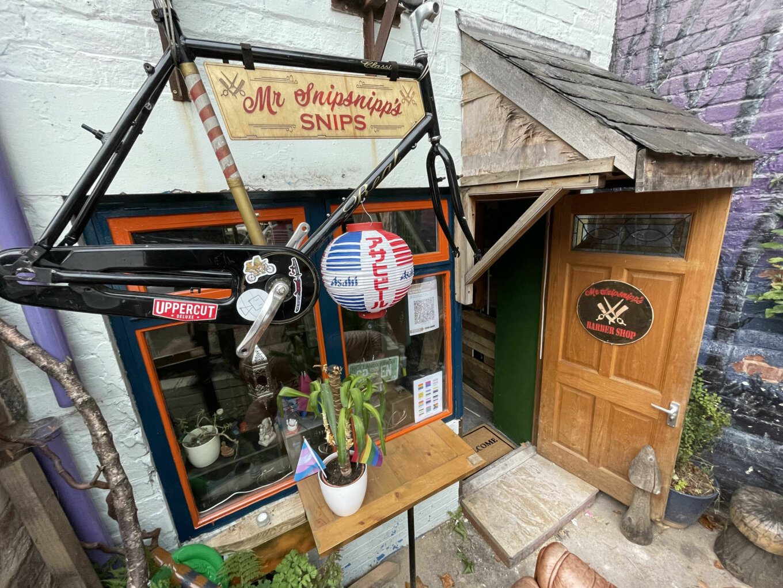Mr Snipsnipp's Barbershop