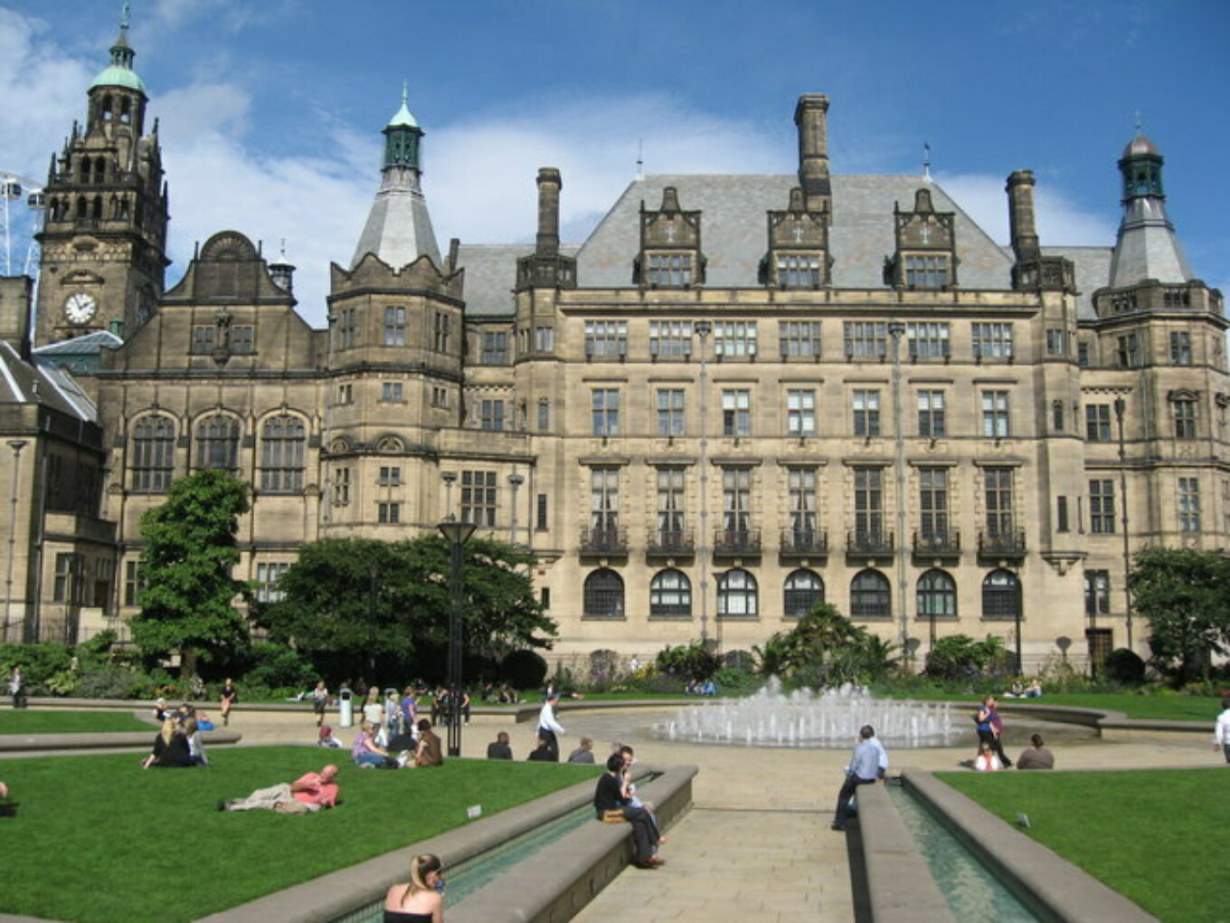 Sheffield Town Hall Richard Rogerson geograph